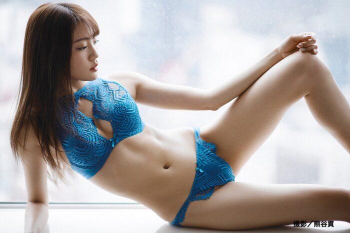 志田友美 水着画像