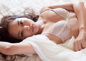 川口春奈の水着画像40枚【若手女優の開放的なビキニや下着姿】