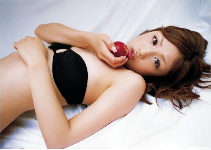 小倉優子 水着画像